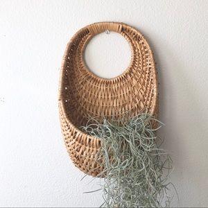 🦚 VINTAGE Wicker Wall Pocket Plant Oval Basket